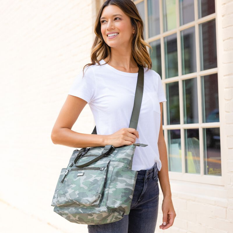 wear-it-your-way convertible bags!